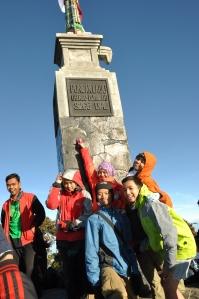 Puncak Gunung Lawu, Hargo Dumilah. Setinggi 3.265 mdpl